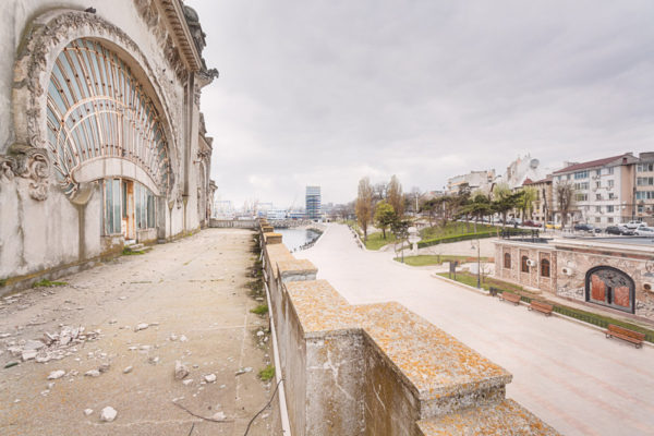 © Roman Robroek: The abandoned Casino of Constanta