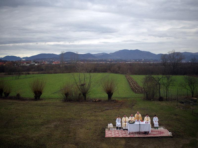 © Remus Tiplea: Confesiuni religioase