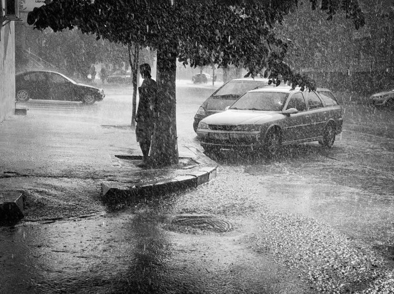 © Cornel Hlupina: Adapost vremelnic