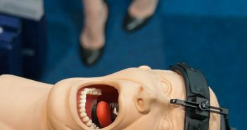 © Robert Rutöd: Fair(y) Tales, Dental Fair