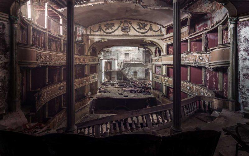© Alek Sikora, Abandoned theatre, Italy.