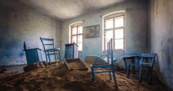 © Magda Stawowczyk, Abandoned little house, Austria.