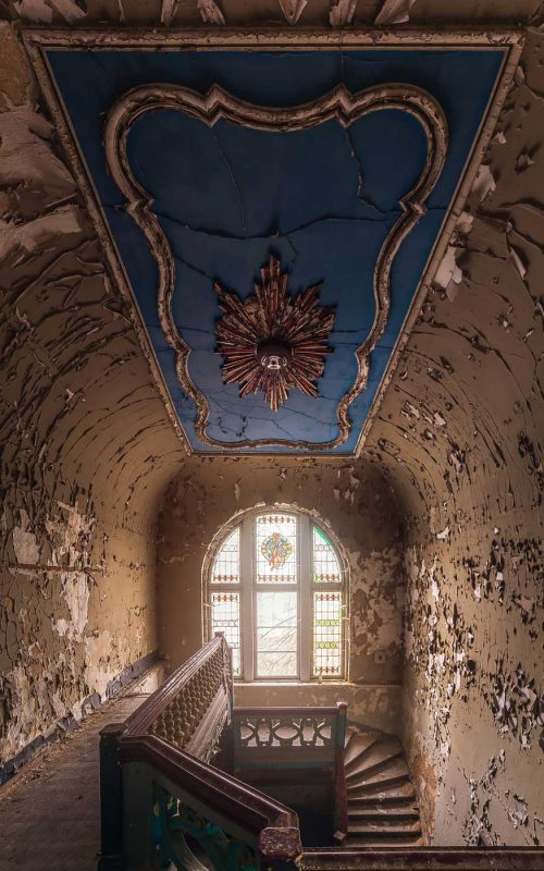 © Magda Stawowczyk, Staircase in abandoned villa, Germany.