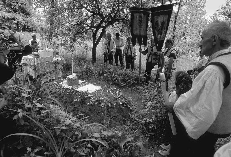 © Dan Dinescu, Sârbi, 1997.