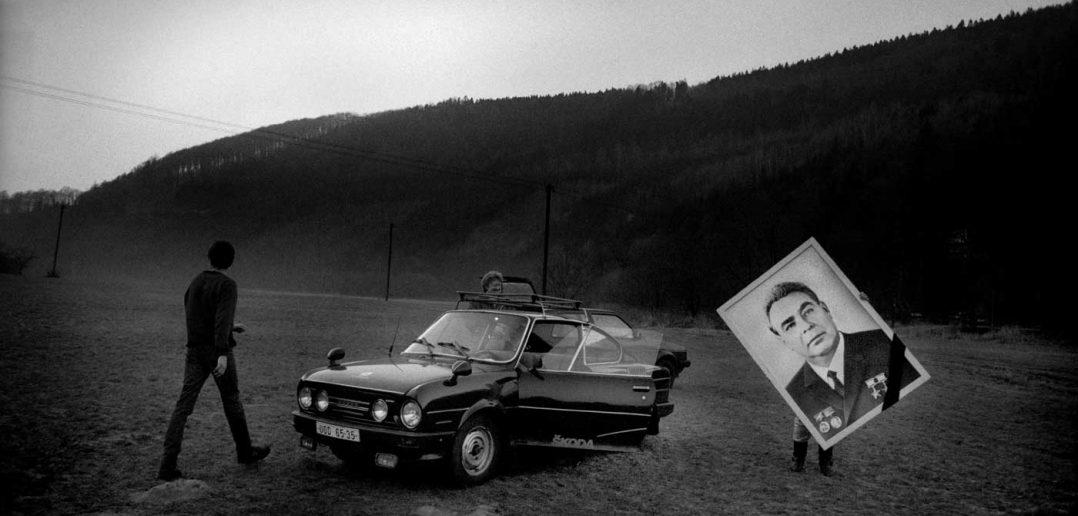 © Antonin Kratochvil, Velvet Revolution, Czechoslovakia, 1989.
