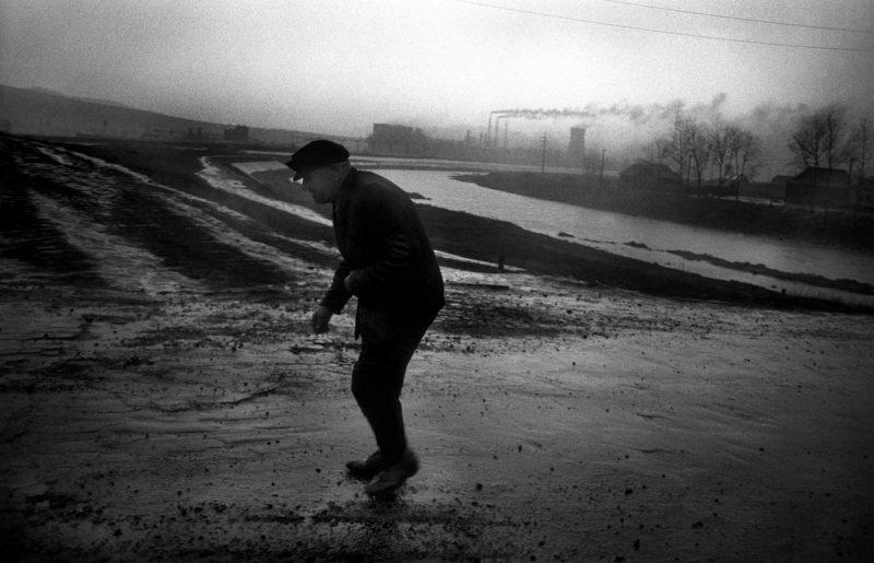 © Antonin Kratochvil, Industrial landscape, Romania, 1990.