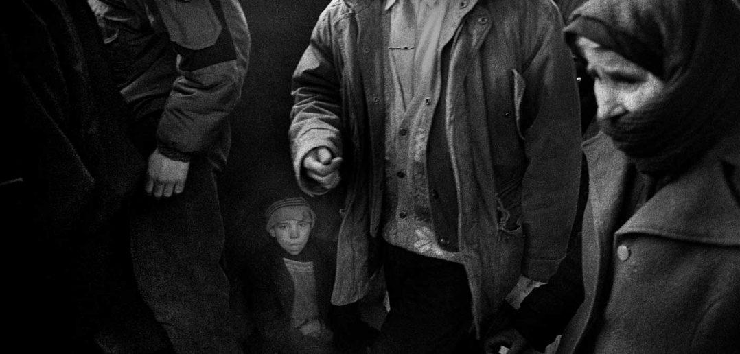 © Antonin Kratochvil, Beggar, Romania, 1995.