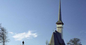© Dan Dinescu, Mănăstirea Ieud, 2006.
