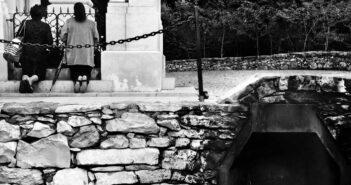 © Vancsó Zoltán, Pilgrims, Fatima, Portugalia, 2002.