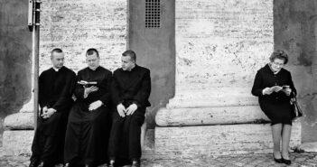 © Vancsó Zoltán, Pilgrims, Roma, 1999.