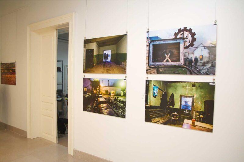 Aspect din expoziție: imagini de la Cosmin Bumbuț. © mondorama